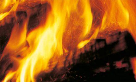 10 produits pratiques pour entretenir votre cheminée