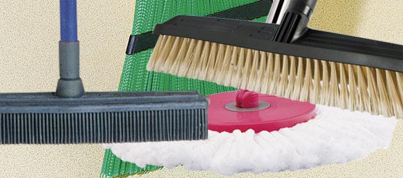 6 balais pour tout nettoyer outillage bricolage jardinage et accessoires maison tout pour. Black Bedroom Furniture Sets. Home Design Ideas