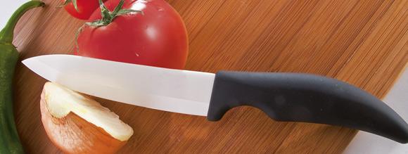 le couteau en c ramique se d mocratise outillage bricolage jardinage et accessoires maison. Black Bedroom Furniture Sets. Home Design Ideas