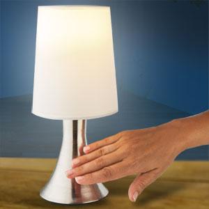 la lampe tactile, très design et facile à manipuler !