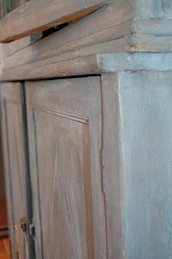 La ponceuse vibrante, idéale pour rajeunir vos meubles en bois !