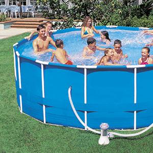 Piscine hors sol, piscine autoportée, piscine tubulaire : trois solutions pour vous jeter à l'eau !