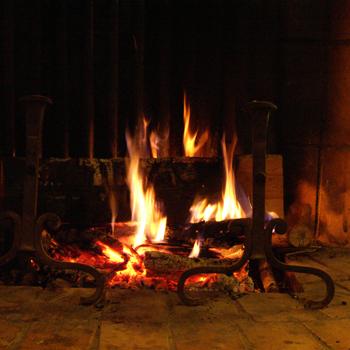 allumer sa cheminée avec une pierre à feu